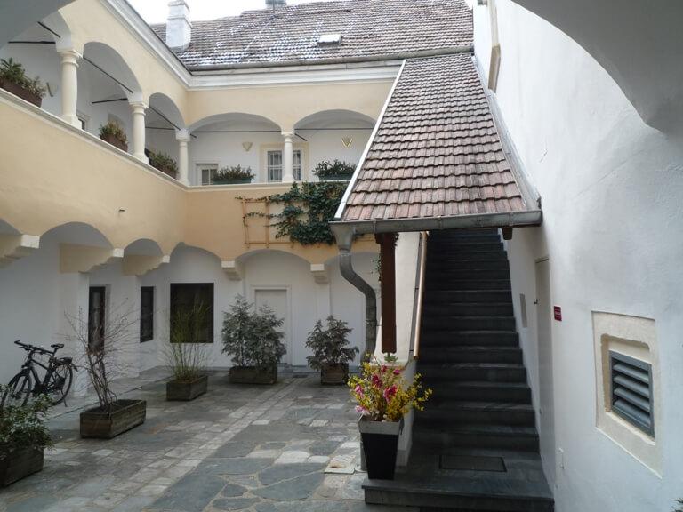 Krems, 890 m² Nutzfläche